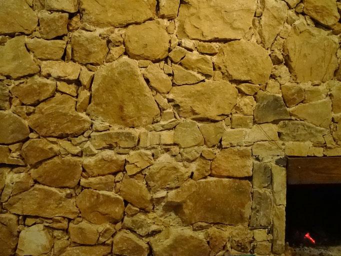 construcción de piedras del terreno mismo / Steinbau mit Steinen vom eigenen Land