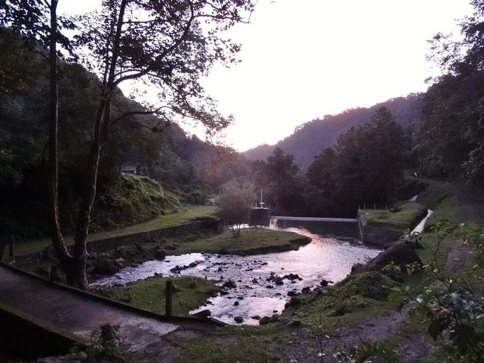 la presa del Valle San Lorenzo en la entrada / das Stauseeli des Valle San Lorenzo am Eingang