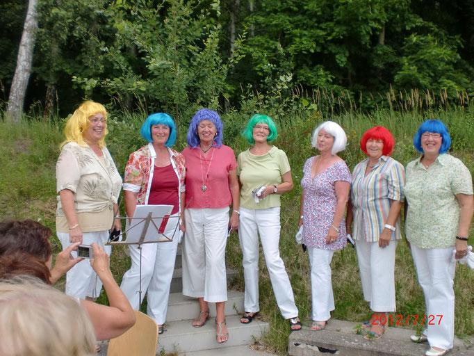 die Lady-Singers optisch und musikalisch ein Genuss