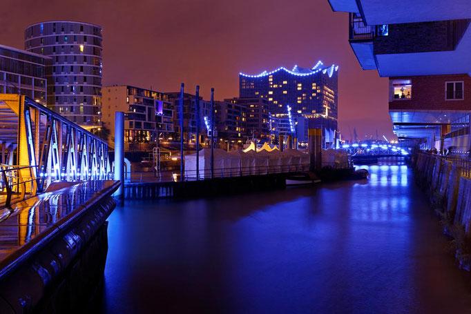 Lothar von Alm - ein Hafen macht blau