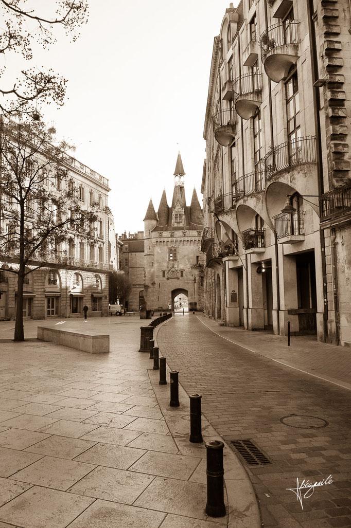 porte Caillau