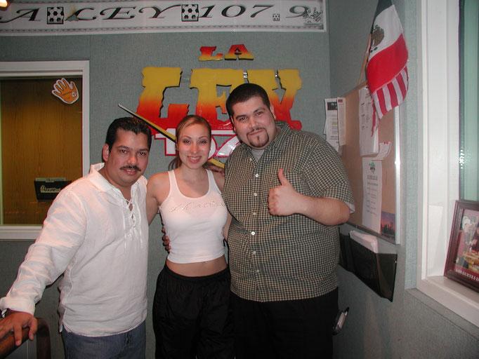 Con Yolanda Perez y el Chiquilin