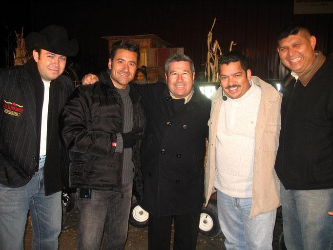 Con el Cugar de Chicago, Jorge Benal (Telemundo) y Miguel Angel (Los Yumas)