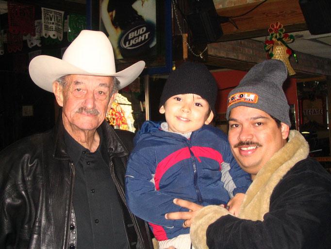 Mario Almada, mi hijo y yo