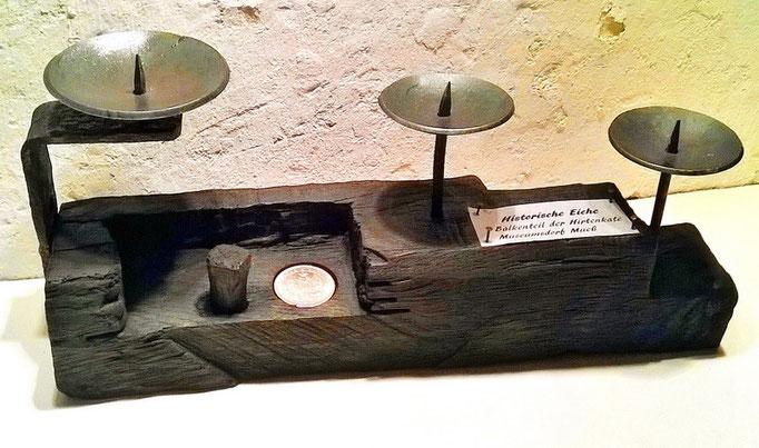Balkenteile der Hirtenkate Museumsdorf Mueß