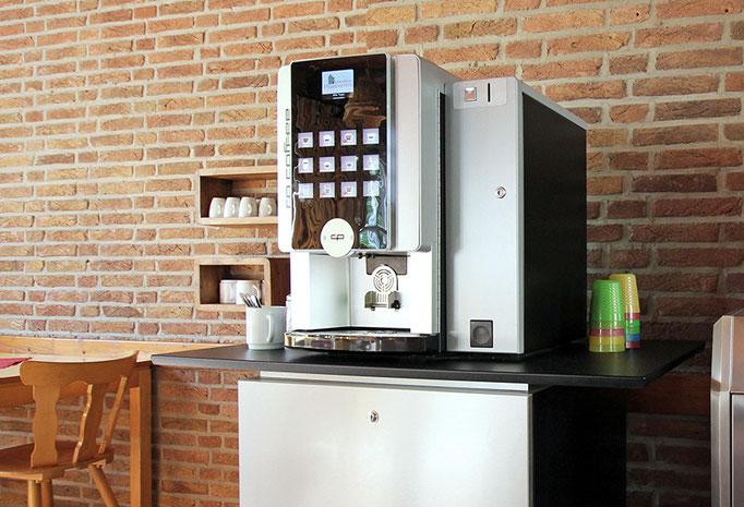 Kaffeeautomat im Speiseraum