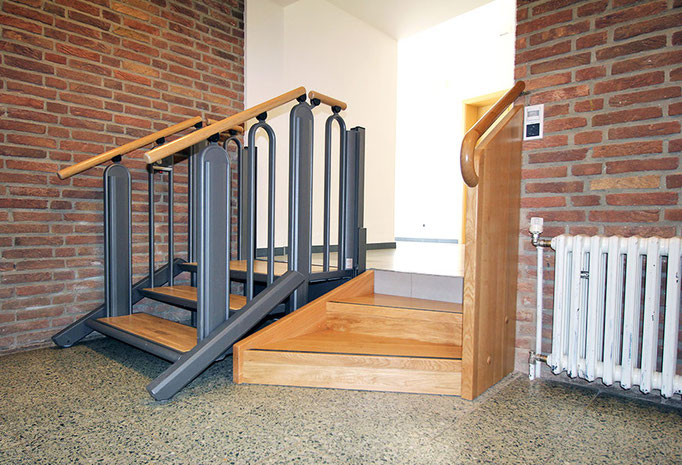 Lifttreppe im Flur