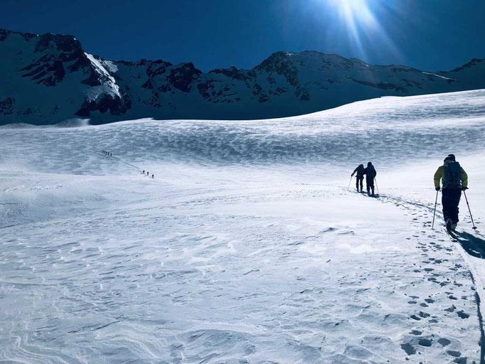 Das lange Becken des Haut Glacier d'Arolla
