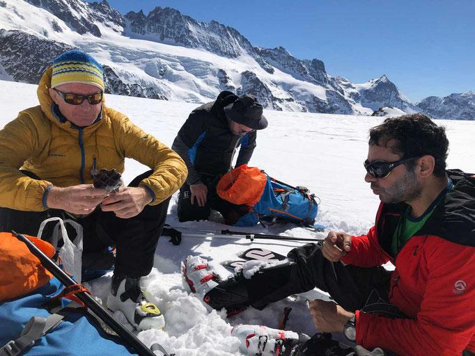 Rast auf dem Tsa de Tsan Gletscher