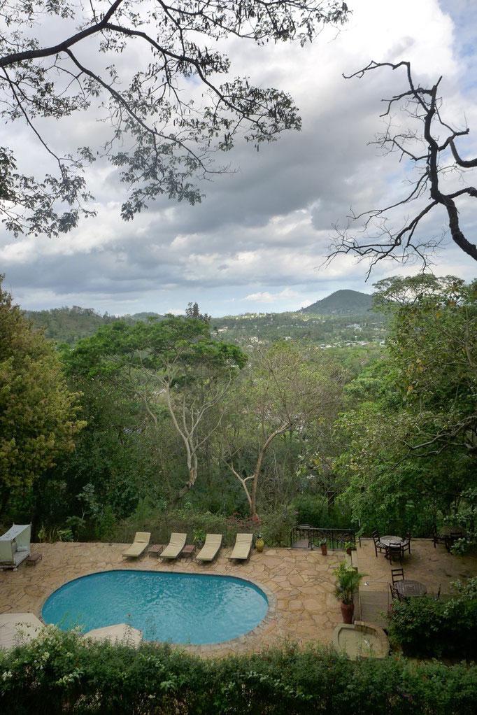 Blick von der Bar-Lounge der Karama Lodge Arusha