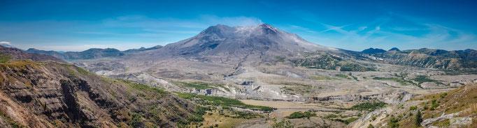KN15001 Panorama Mount St. Helen