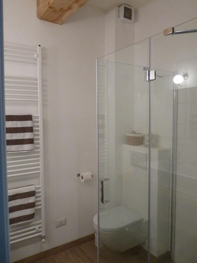 Vakantiehuis huren Casa Panoramica Italië Le Marche badkamer