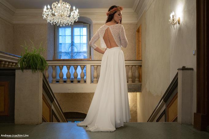 """""""Suzu"""" - zweiteiliges Brautkleid mit Spitzentop"""