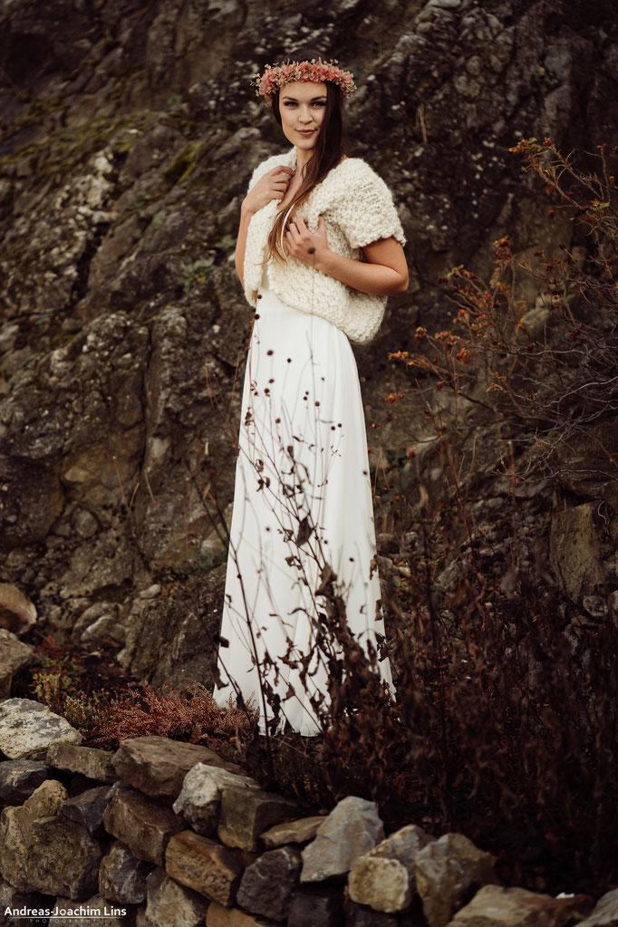 kuschlige Strickweste aus reiner Schurwolle für die Winterhochzeit