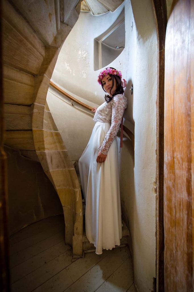 """""""Sina"""" - modernes zweiteiliges Brautkleid mit Spitzentop in nude"""