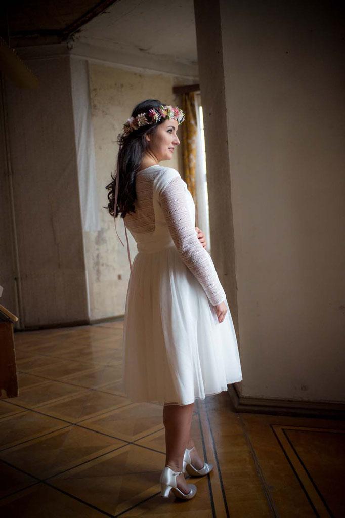 """zweiteiliges Brautkleid """"Kai"""" - elementar Brautkleider ♥ Standesamtkleid mit Spitzentop und kurzem Tüllrock ♥ Kurzes zweiteiliges Hochzeitskleid - modern und unkompliziert"""