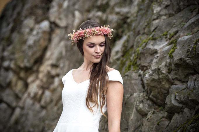 """""""Koko"""" - schlichtes Brautkleid mit Trägern"""