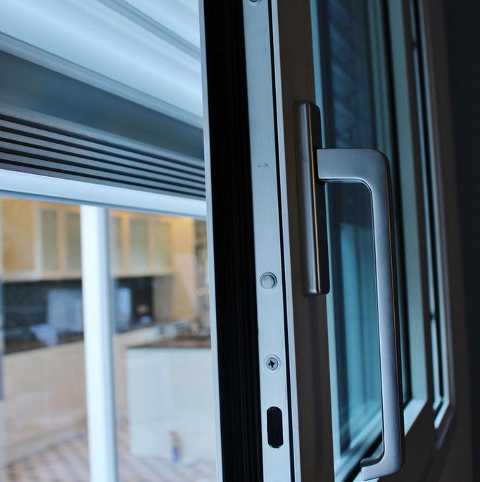 finestra scorrevole alzante in alluminio a como e lugano