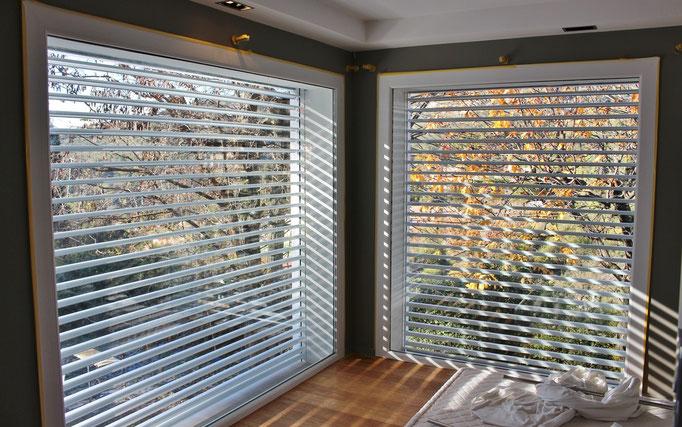 frangisole orientabili con lamelle in alluminio verniciato