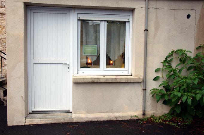 L'entrée arrière, accès à la salle d'attente