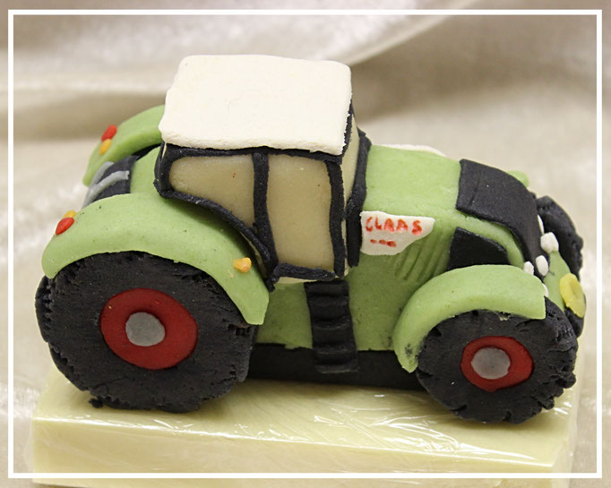 Marzipanauto, Traktor Claas