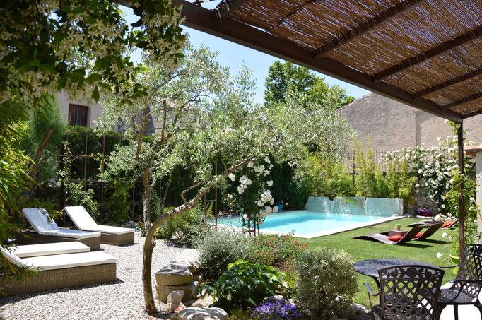Jardin avec Piscine - Chambre d'hôtes Provence