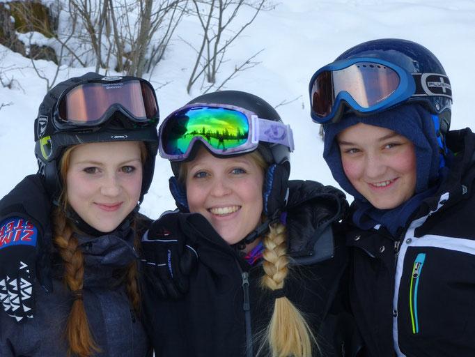 6 Gründe die für einen Skikurs sprechen: Lehrer als Mentor u Teil der Gruppe