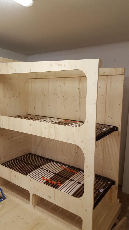 Wohnwagenanbau WÄHREND DER ARBEIT
