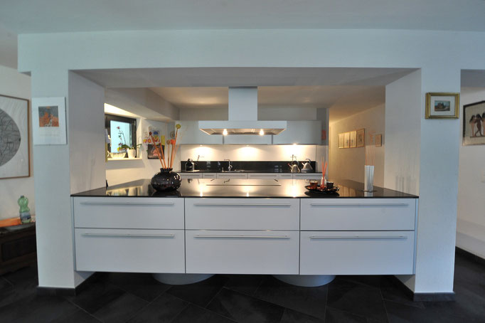 Ambiente cucina mobili in laminato
