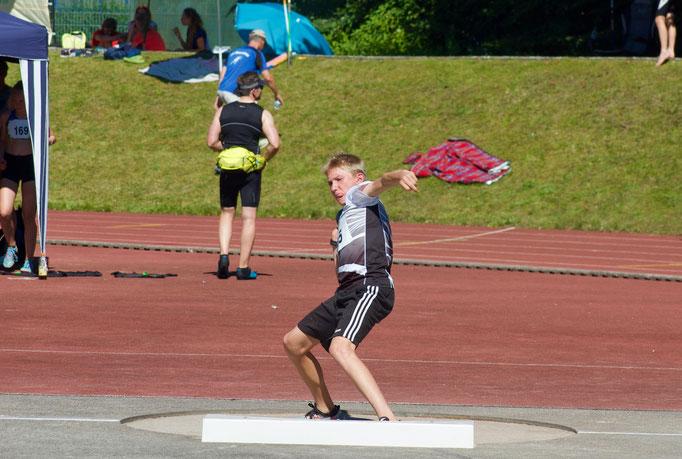 Johannes Kleinschmidt beim Kugelstoßen - 8,14m - Platz 2