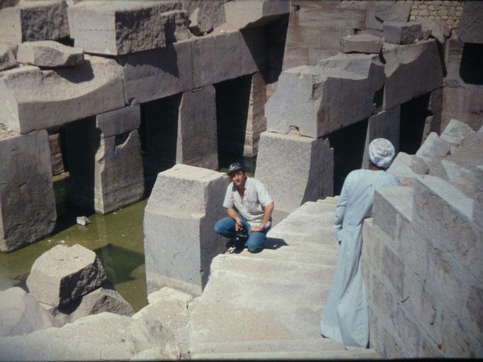 Aqui estoy en el llamado Osirion del templo de Seti I en Abydos