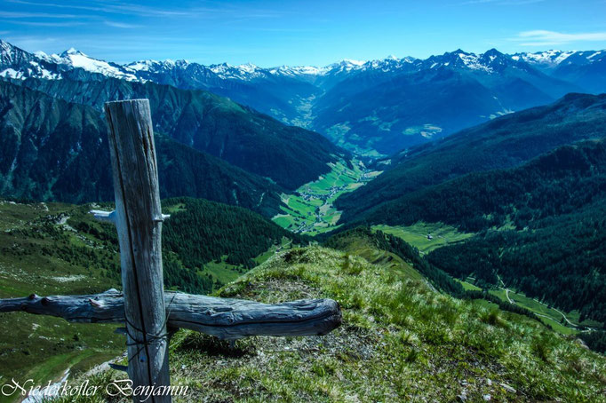 Herrlicher Blick ins schöne Bergdorf Weißenbach im Ahrntal