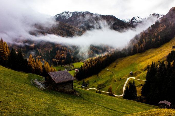 Auf den Weißenbacher Gesundheitswegen im Herbst
