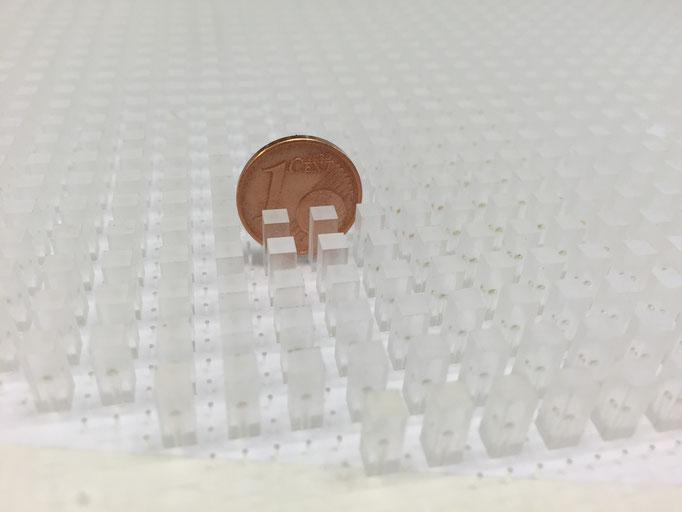 Kunststoffteil mit 1mm Bohrungen