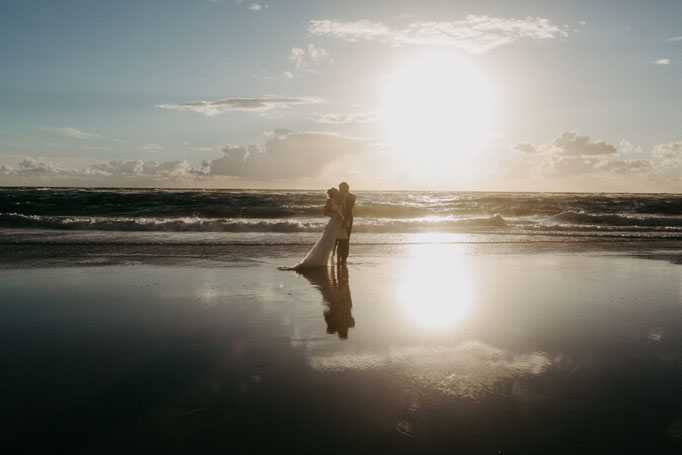 hochzeit, wedding, norderney, hochzeitnorderney, hochzeitnordsee, hochzeitostsee, fotograf, weddingphotograph, sunset, bride, braut, bohohochzeit, destinationwedding, sabinelange