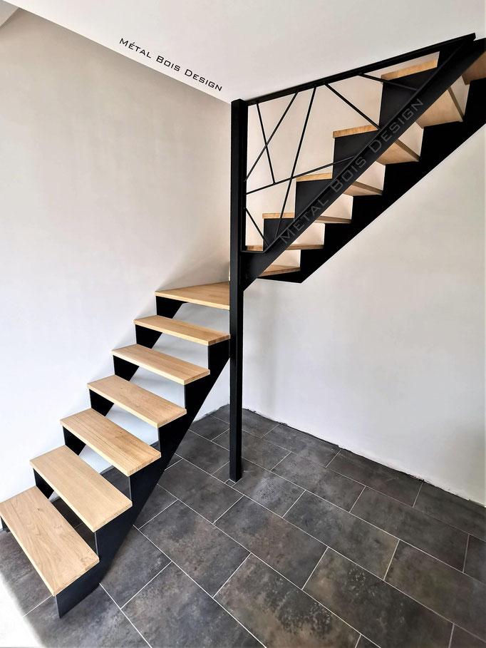 Escalier sur mesure acier et chêne un quart tournant