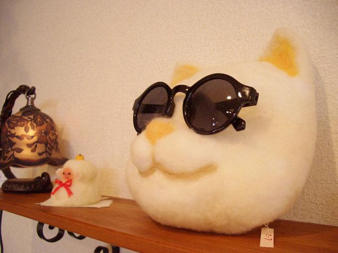 『眼鏡かけ 白 ねこ』¥4.000(税込み)