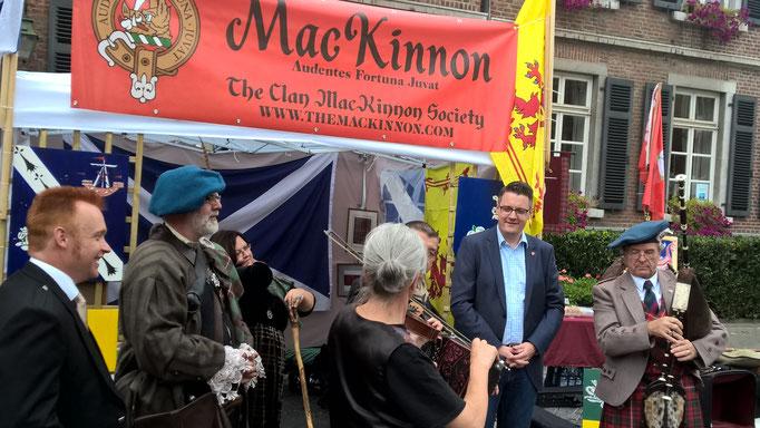 Beim Empfang des schottischen Clans MacKinnon