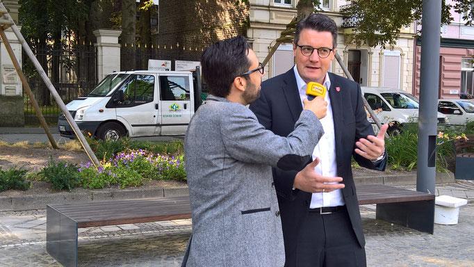 Im Interview mit Antenne AC anlässlich der Einweihung des neugestalteten Kaiserplatzes