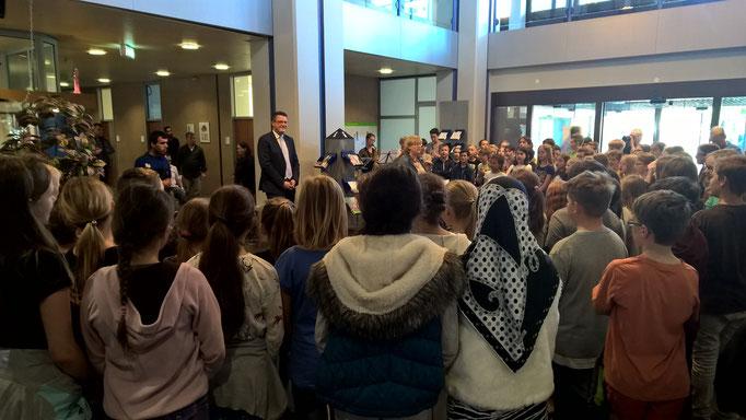 Beim Empfang von Schülerinnen und Schülern des Goethe-Gymnasiums anlässlich des Europatages 2016