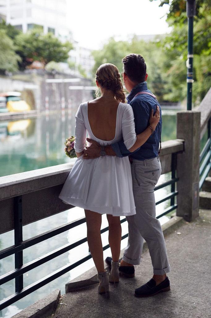 Hochzeitskleid mit tiefem Rückenausschnitt