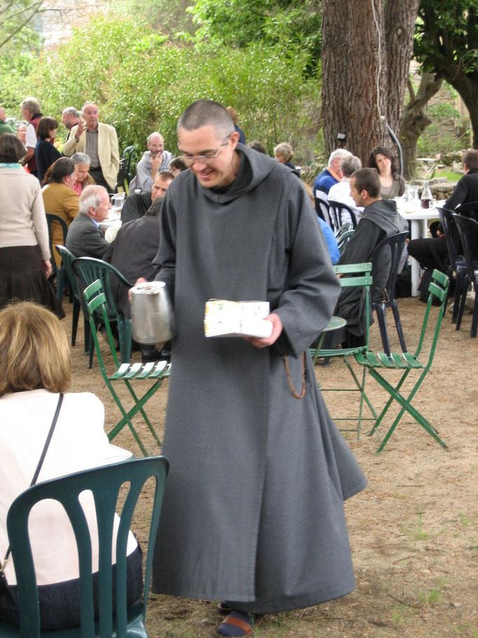 le café sur les terasses du couvent de Vico