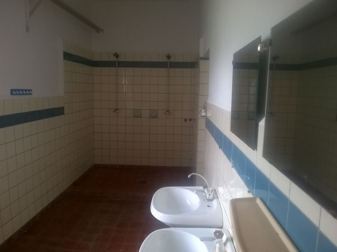 Sanitäranlagen - Dusch/Waschraum