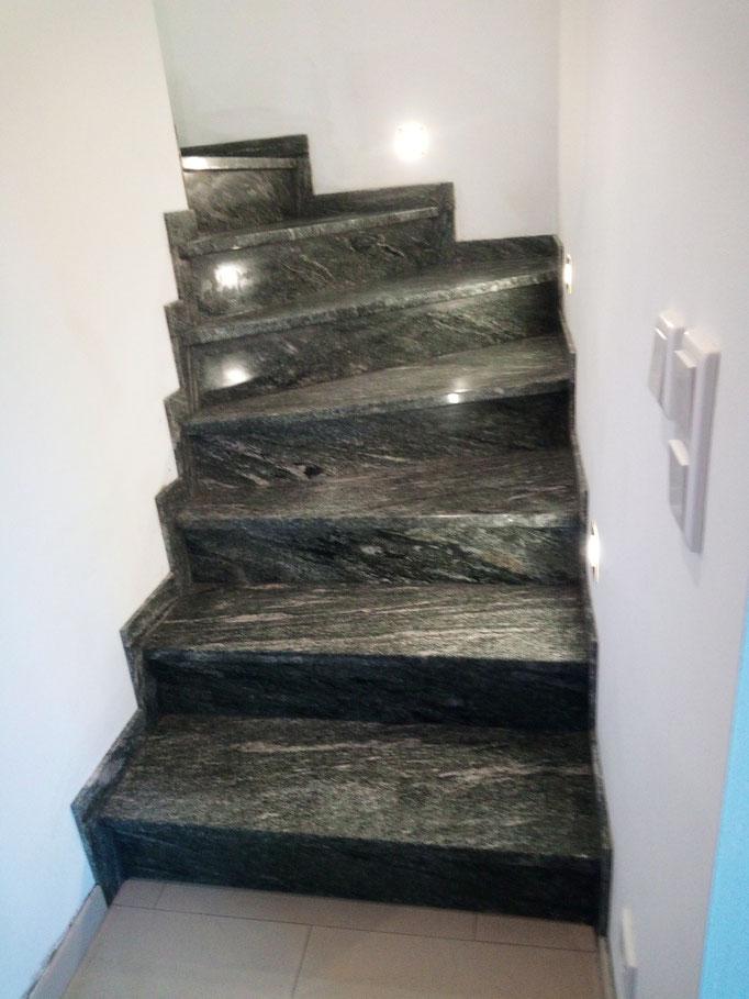 Nachher: Maßgefertigte Treppenstufen aus Granit