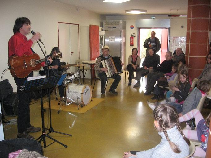 """Les """"Bistronches"""" ont chanté des chansons éternelles de Brassens et de Lapointe aux Floralys"""