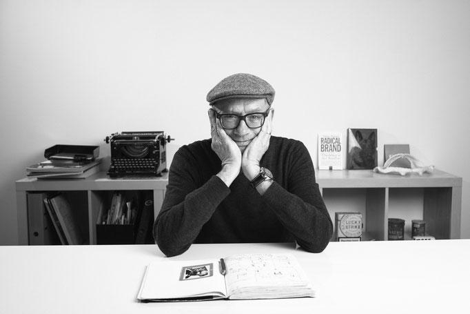 Mark Schneider, Texter