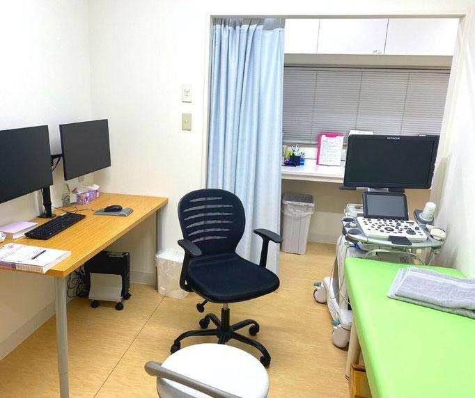 第二診察室ではエコー検査を行うこともできます。