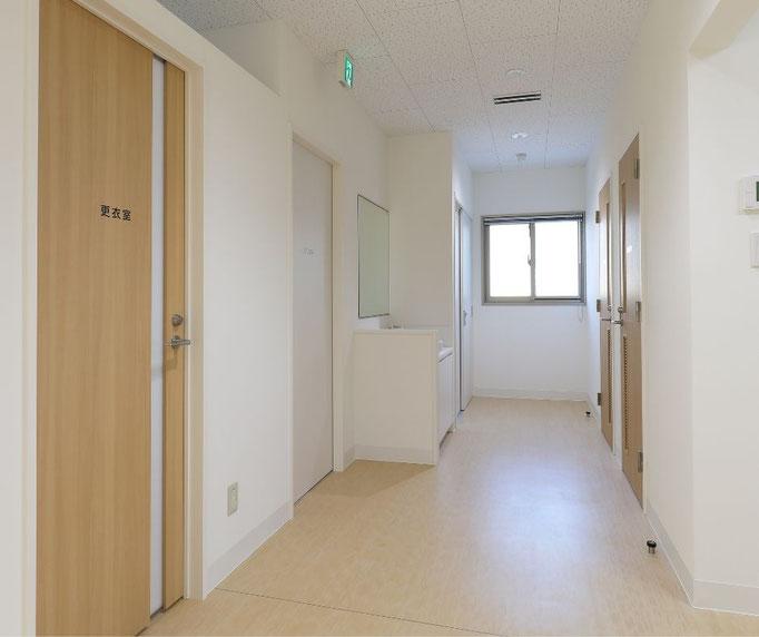 前処置室の前の廊下