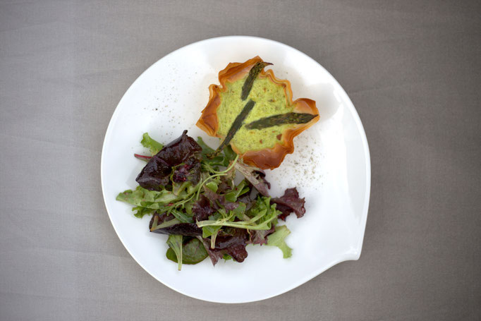 Mädchenvöllerei Pi mal Butter Foodblog Saarland Saarlouis Spargel Quiche Mangoldsalat