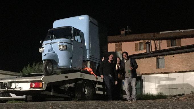 Aller Anfang war schwer.... Truckli in Italien aufladen, am Zoll Ewigkeiten warten und endlich nach Hause fahren :D